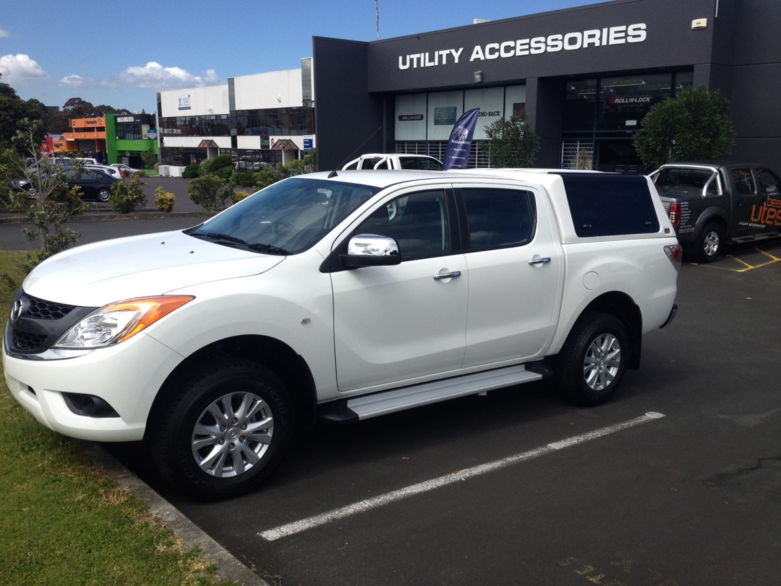 white mazda bt50 ute
