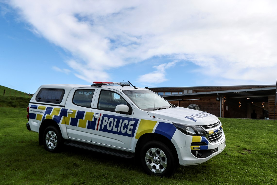 holden colorado police ute