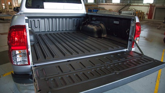toyota hilux non skid tray liner