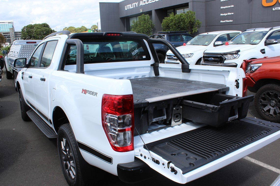 white ute with drawer system in tub